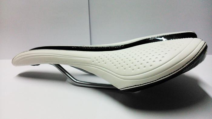 VELO Saddle Steel Rails White/Black